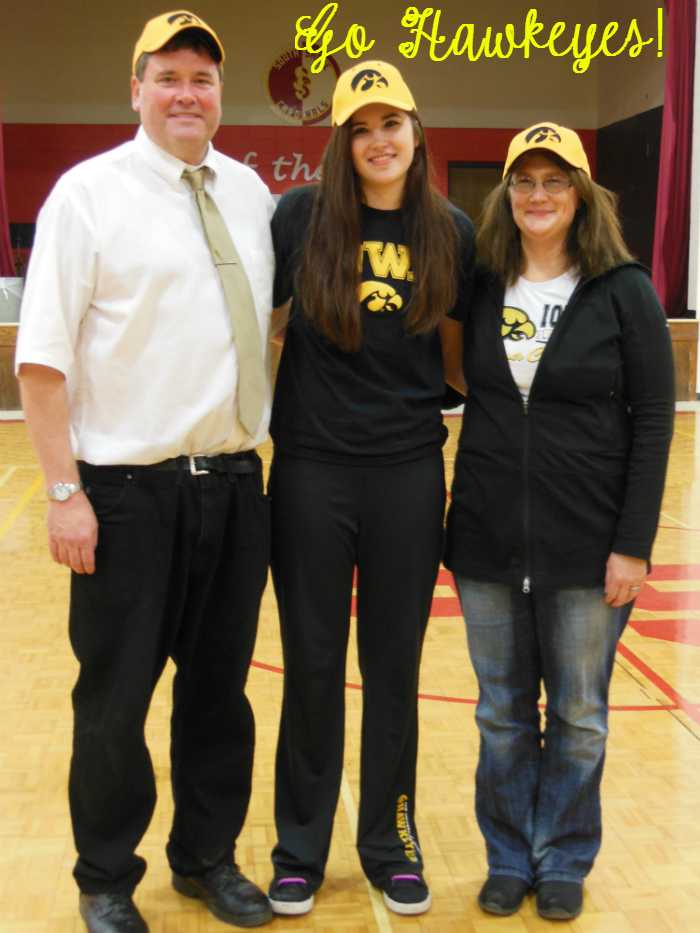 POCOHO_11.12.14_Gustafson_Signs with Iowa3