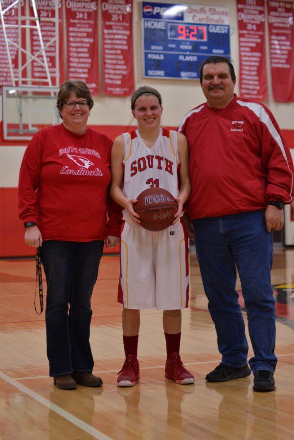 Shauna Kavajecz pictured with proud parents Linda and Troy Kavajecz.