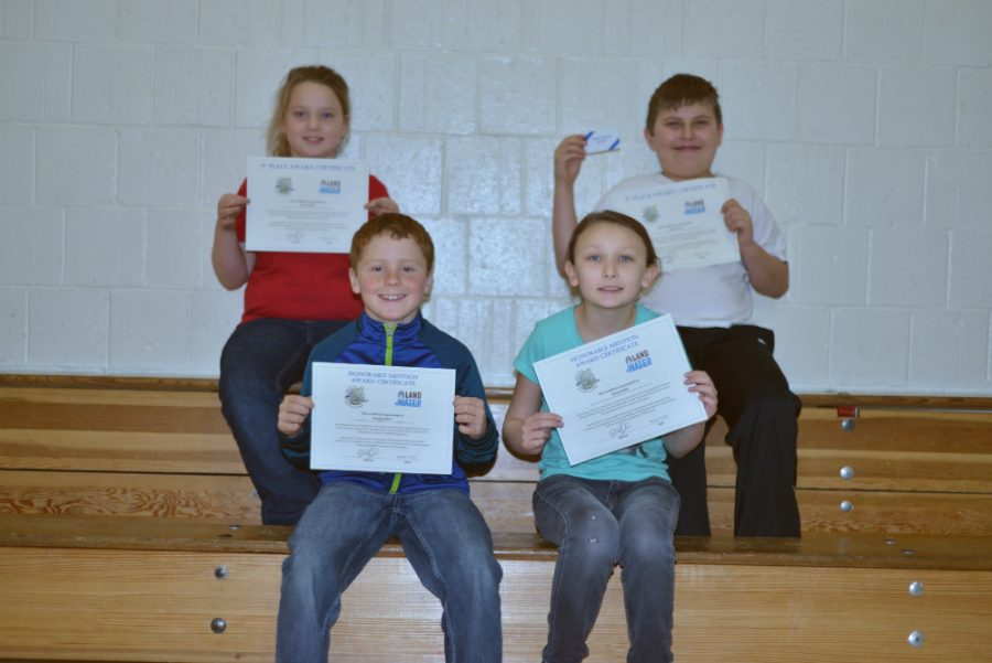 Lillian+Nollet%2C+Denny+Lind%2C+Hayden+Mieritz+%26+Alessia+Miller+proudly+display+their+certificates+for+winning+the+LAND%2BWATER+poster+competition.++Congratulations%21