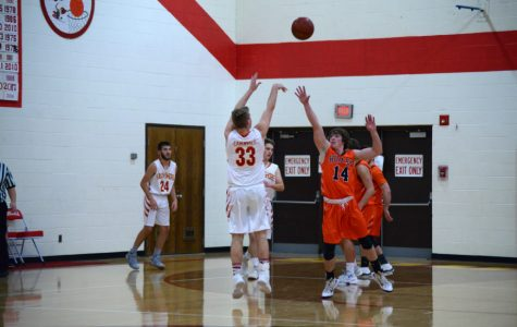 High School Boys' Basketball Beats Hurley By 2!