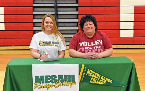 Morgan Rock Signs with Mesabi Range Volleyball
