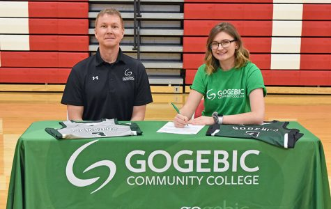 Rylee Nicoletti Signs to Play with Gogebic Basketball